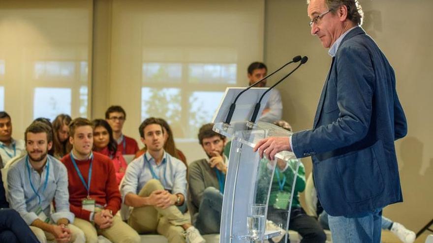 Alonso: Nueva generación del PP no es culpable de los pecados de sus abuelos