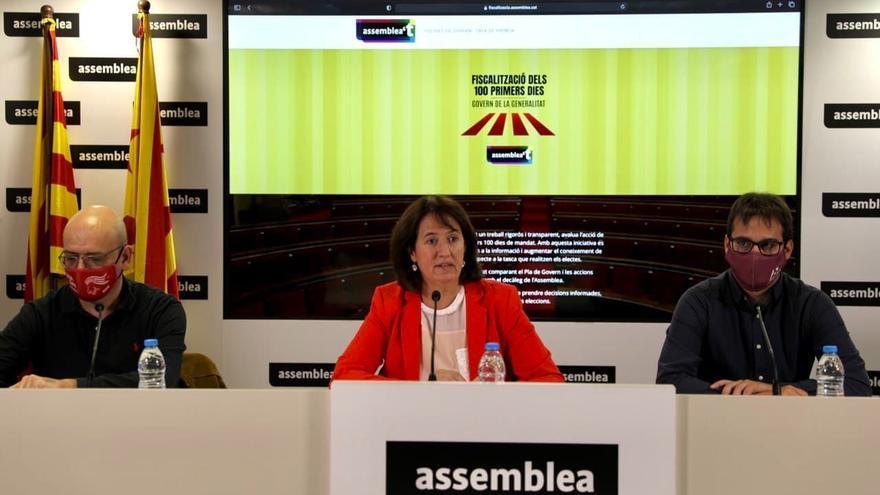 El secretario nacional de la ANC, Jordi Domingo, la presidenta de la entidad, Elisenda Paluzie, y el coordinador de la Comisión de Estrategia y Discurso de la ANC, Arnau Padró.
