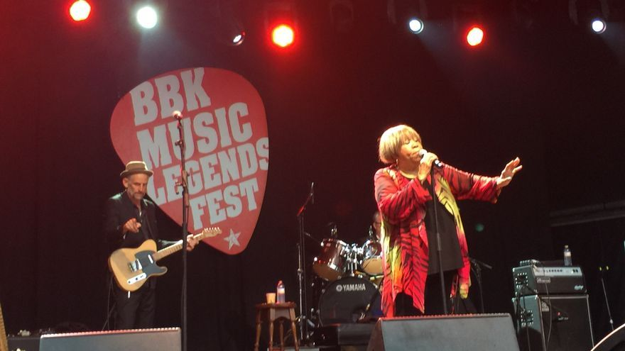 Mavis Staples, en plena actuación en el BBK Music Legends Festival de 2018.