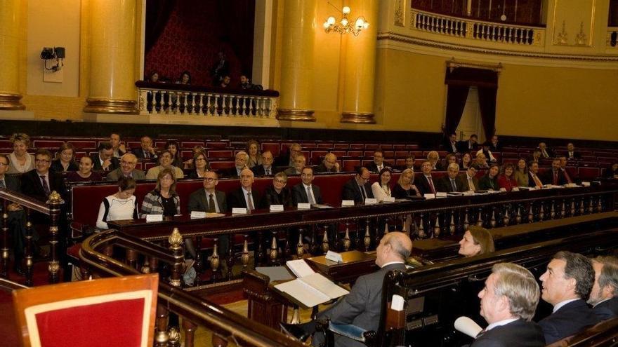 Toda la oposición formaliza su exigencia de que Gobierno y CCAA puedan debatir la reforma local en el Senado