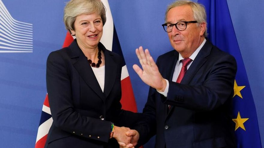 Juncker recibirá a Theresa May mañana en Bruselas