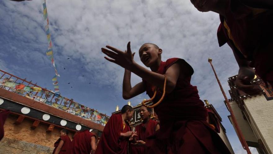 Un fallo eléctrico causó el incendio que destruyó el histórico pueblo tibetano de Dukezong