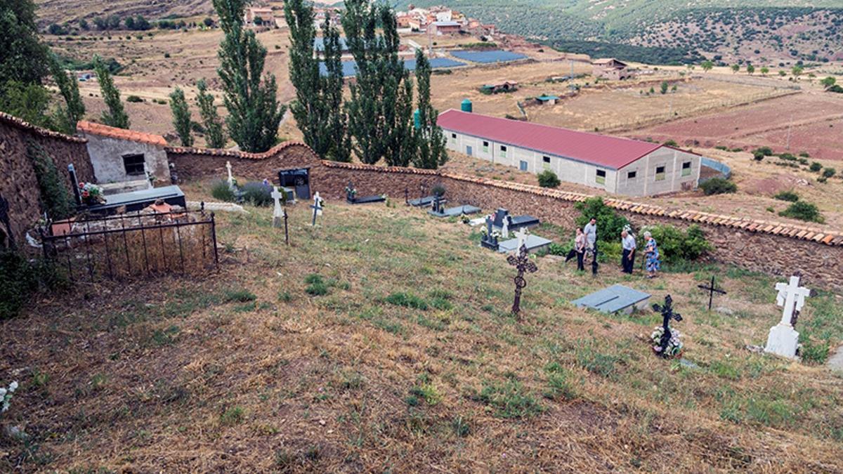 La mayoría de los fusilamientos se produjeron en las tapias del cementerio de Pomer (Zaragoza)