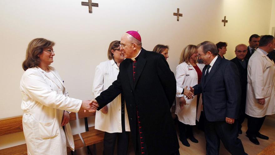 El cardenal Carlos Osoro inauguró la capilla del Hospital la Fe de València en 2012