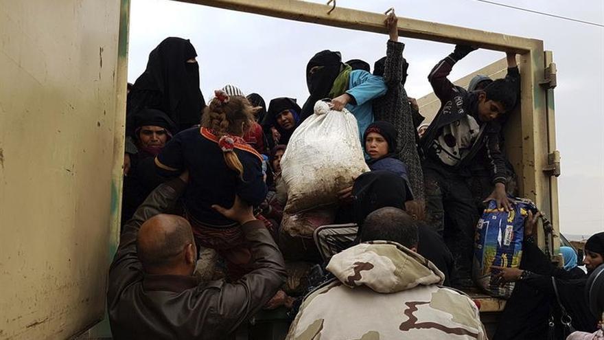 Unas 45.700 personas huyen del oeste de Mosul en nueve días