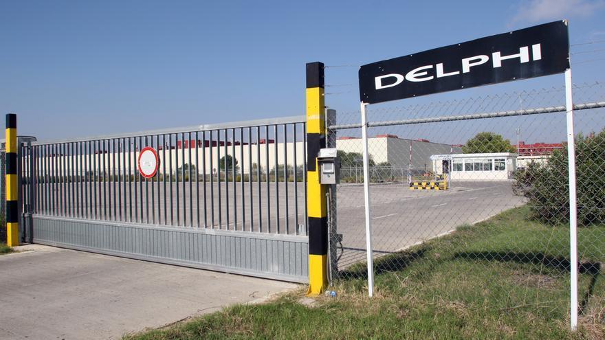 Extrabajadores de Delphi reúnen 16.300 firmas on line para pedir a la Junta una solución a seis años de conflicto