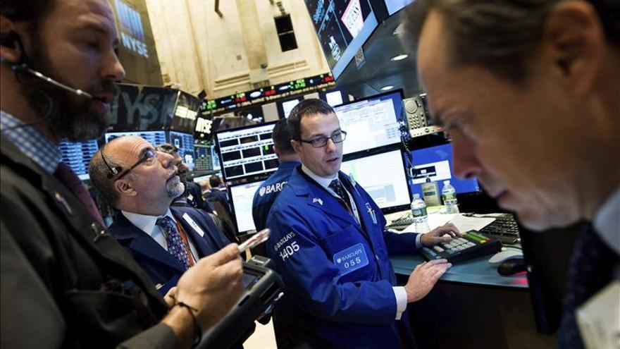 El Dow Jones lastra a los mercados de América Latina, que terminan el día a la baja