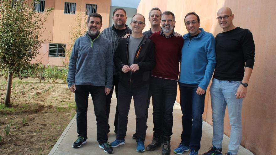 Primera foto que se hace pública de los presos independentistas en Lledoners
