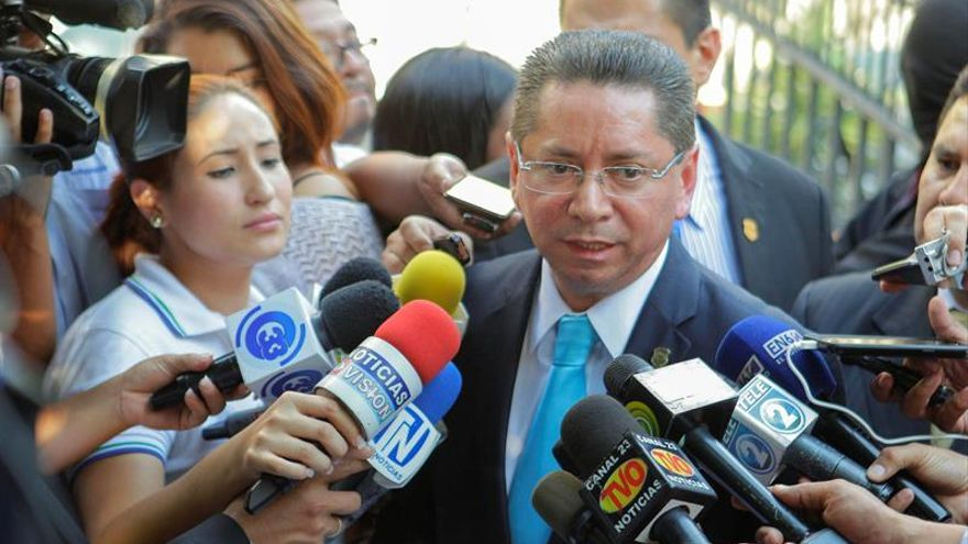 Detenidos 6 policías salvadoreños por supuesto sicariato