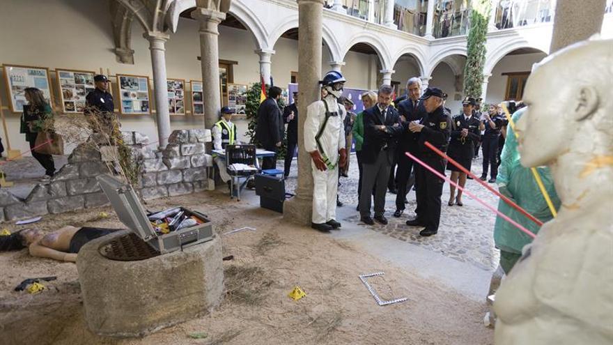 La Policía Nacional estrecha relación con Ávila en los 30 años de la Escuela