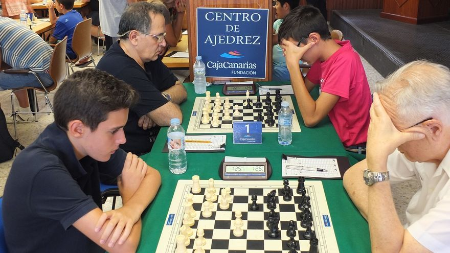 Imagen de archivo de una competición de ajedrez organizada por la Fundación CajaCanarias