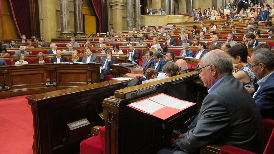 """El Parlamento catalán pide al Govern """"prohibir"""" los desfiles militares en Cataluña"""