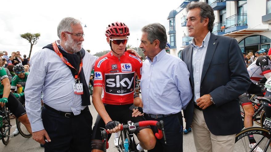 Revilla garantiza que la Vuelta a España volverá a Cantabria en 2018