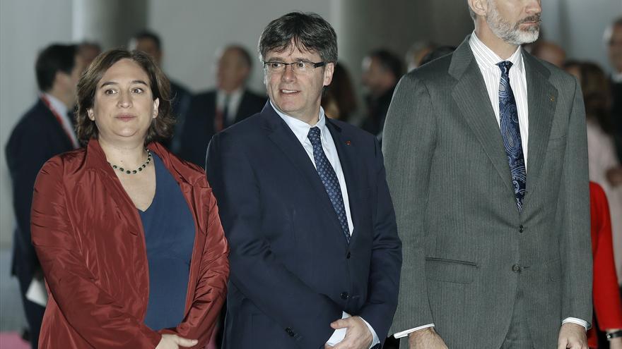 Felipe VI, el presidente de la Generalitat, Carles Puigdemont, y la alcaldesa de Barcelona, Ada Colau, inauguran la edición 2017 del Mobile World Congress