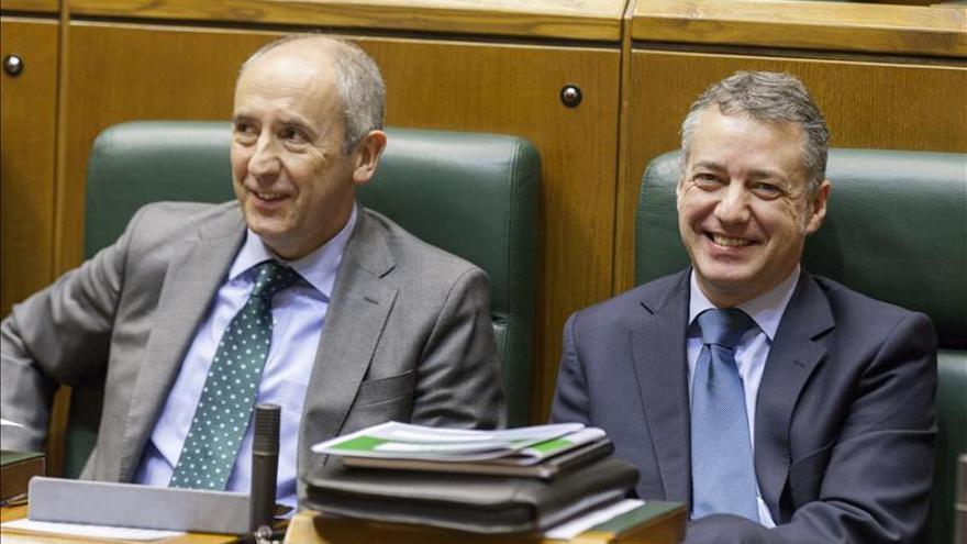 El PNV y PSE crean una ponencia para reformar el Estatuto vasco por vías legales