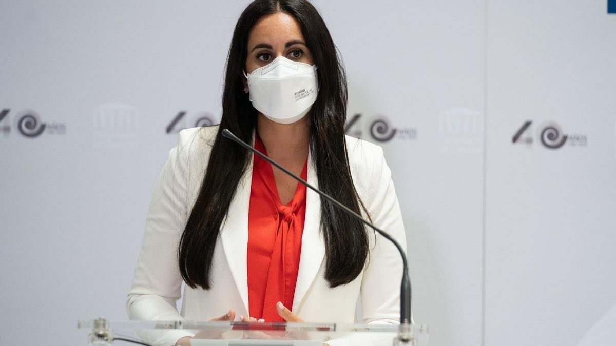 Vidina Espino, en el Parlamento de Canarias