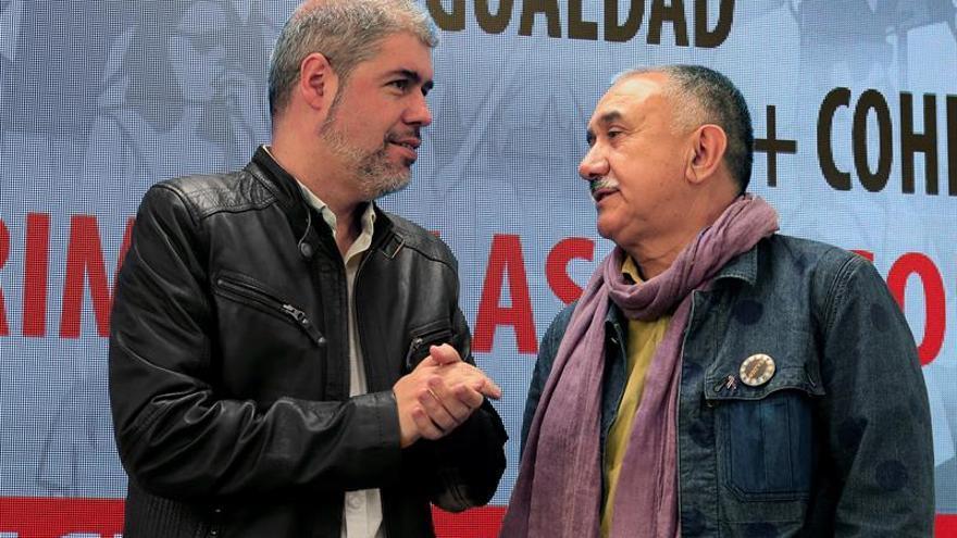 Los secretarios generales de CCOO y UGT, Unai Sordo (i) y Pepe Álvarez , respectivamente.