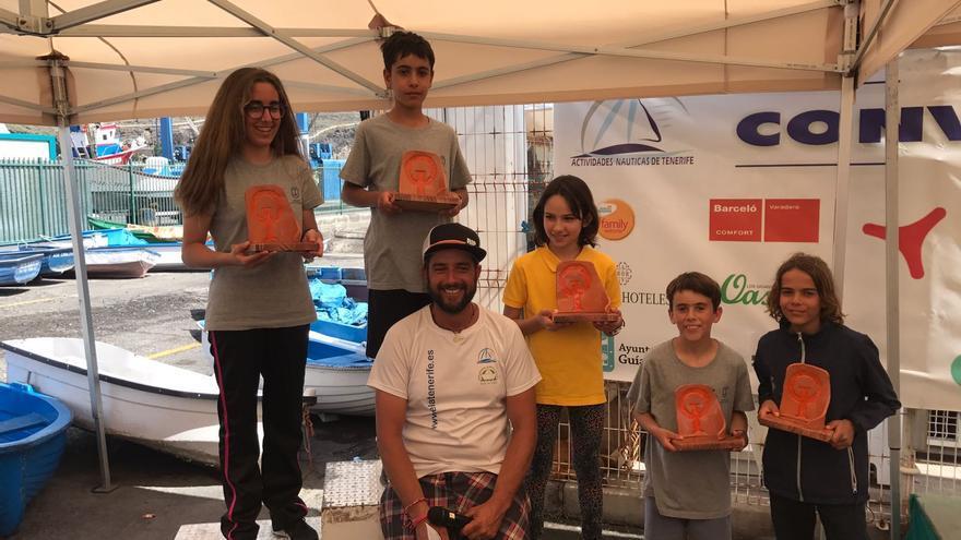 La Clase Optimist B  finalizó con el liderazgo de los palmeros Gabriel Acosta Pérez y Daniela Bonsfills Poggio en el podio.