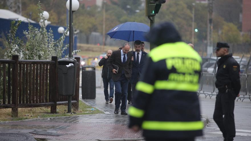 El PSOE pide la comparecencia urgente de Cosidó en el Congreso para que explique la situación del CIE de Aluche (Madrid)