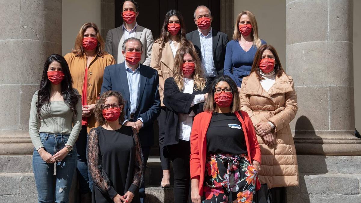 El administrador único de RTVC junto a la respresentante de Más Mujeres, diputados y diputadas del Parlamento.