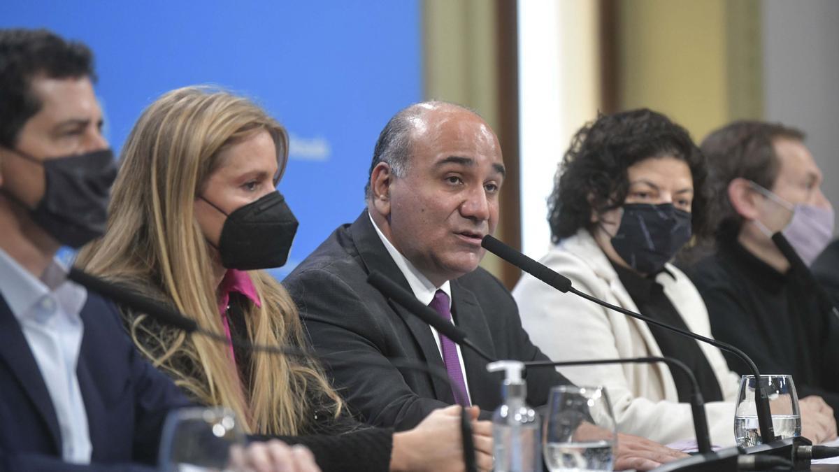 El jefe de Gabinete, Juan Manzur, precisó que el crédito del Banco Mundial por 500 millones de dólares, aprobado el miércoles, se utilizará para la compra de 20 millones de vacunas Pfizer y otras 20 millones de Moderna.