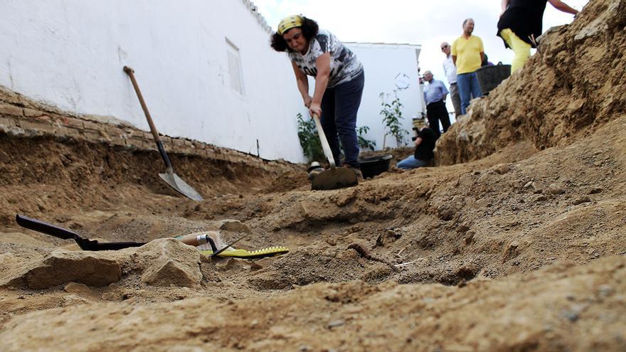 Trabajo arqueológico en una fosa del franquismo. / J.M.B.