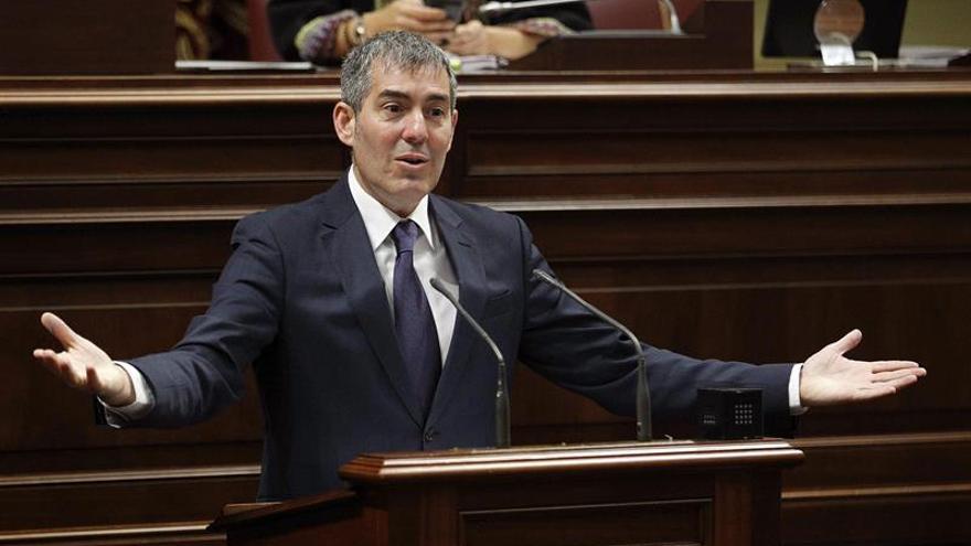 El presidente del Gobierno de Canarias, Fernando Clavijo,
