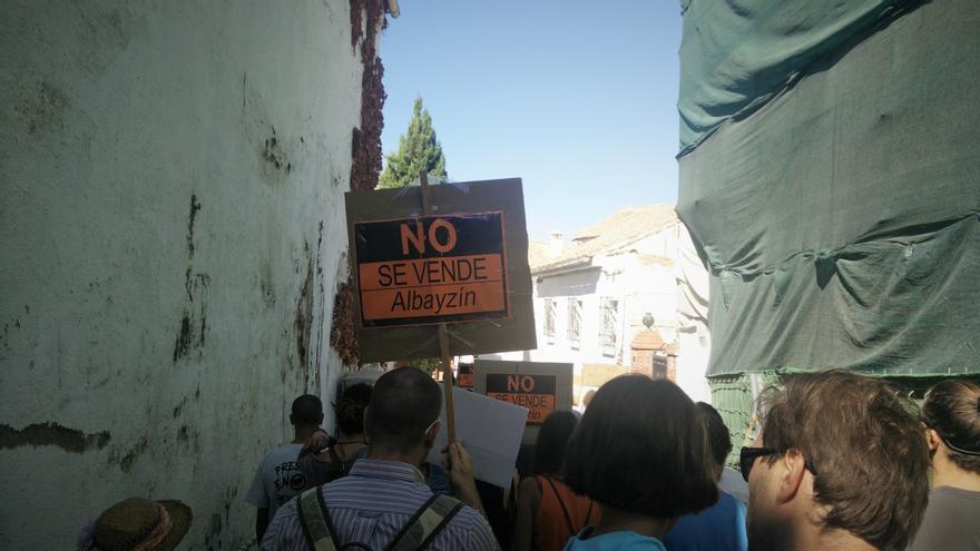 Pasacalles 'El Albayzín no se vende'
