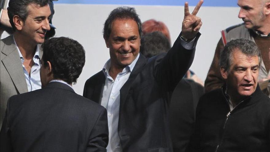 """Dos hijos de la """"era Menem"""", principales candidatos en primarias argentinas"""