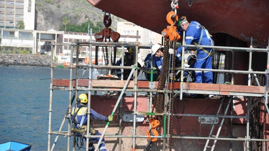 Trabajos de reparación naval en el puerto tinerfeño  / Foto de la Autoridad Portuaria