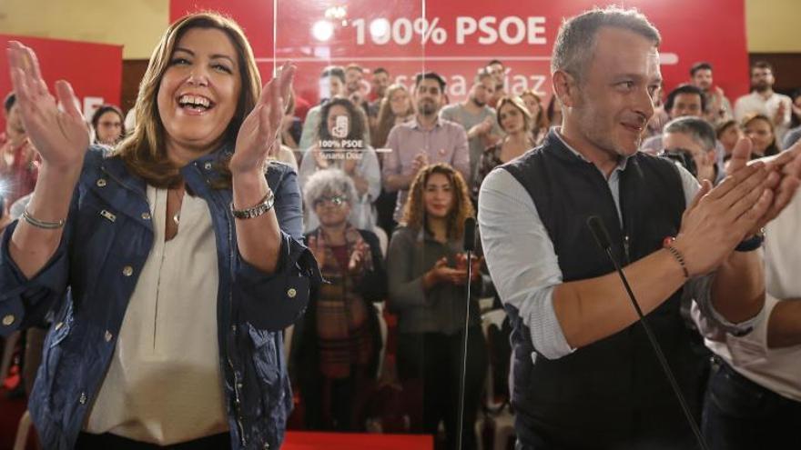 La líder andaluza, Susana Díaz, junto al alcalde de Camas, Rafa Recio.