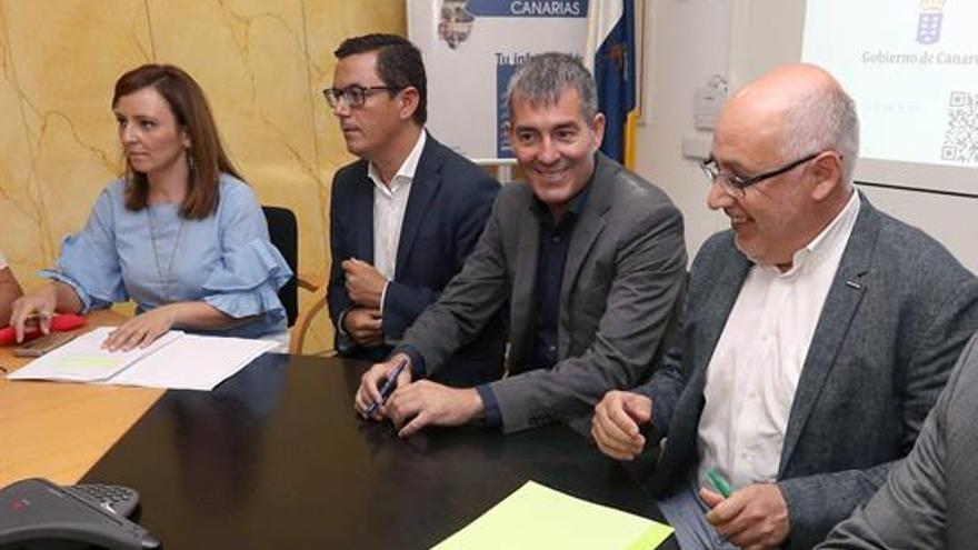 Nieves Lady Barreto, Pablo Rodríguez, Fernando Clavijo y Antonio Morales