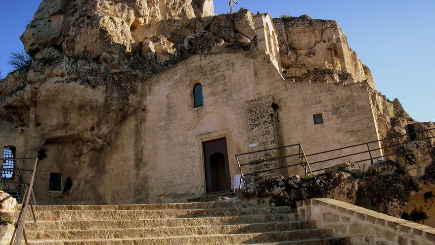Fachada de la iglesia rupestre de  Santa María de Idris. Gianluca Campanella