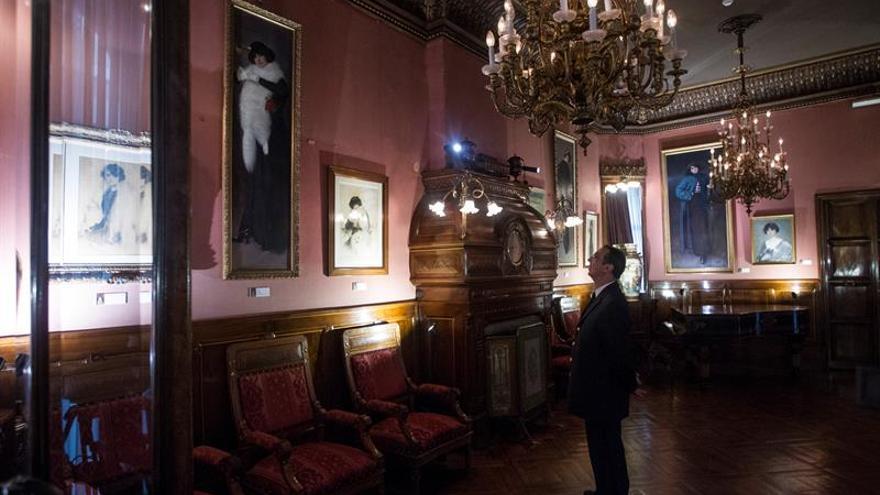 El Círculo del Liceo muestra retratos inéditos de Júlia, musa y esposa de Casas