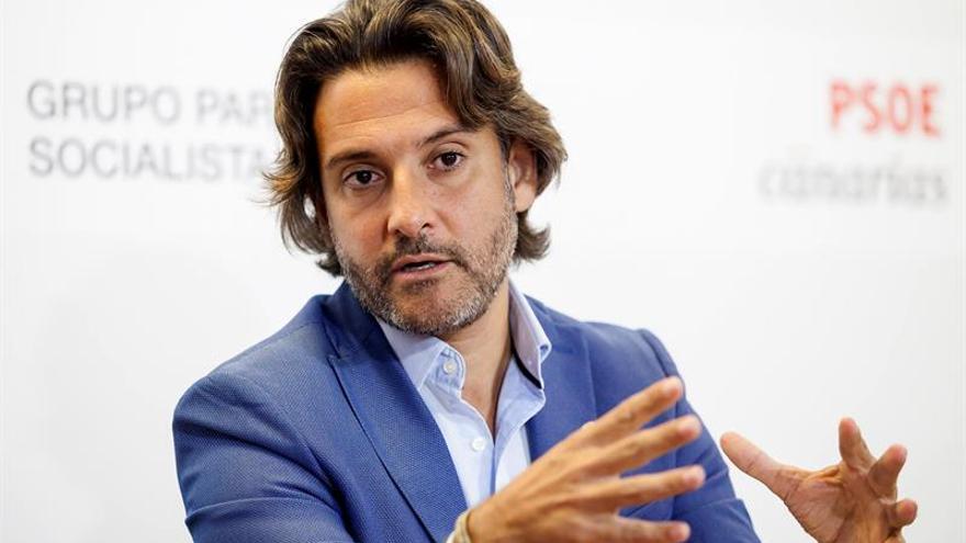 El portavoz de Energía y Consumo del grupo socialistas en el Parlamento de Canarias, Gustavo Matos