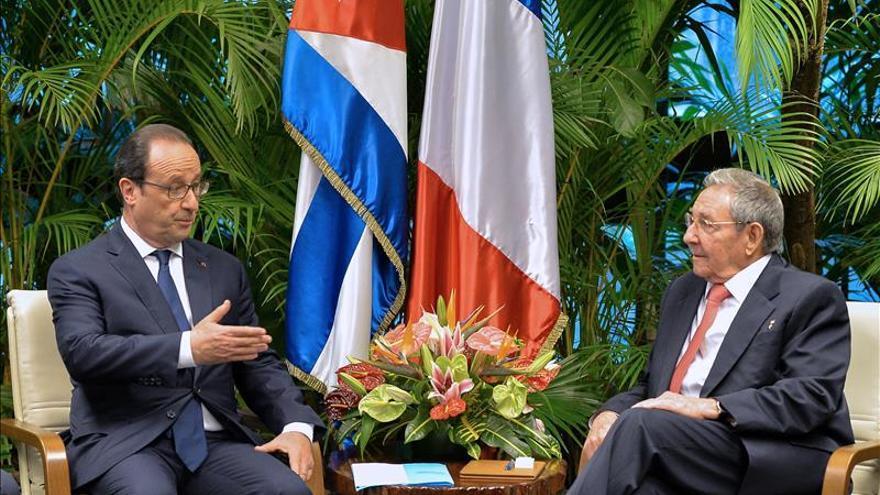 París anuncia que Raúl Castro viajará a Francia en febrero