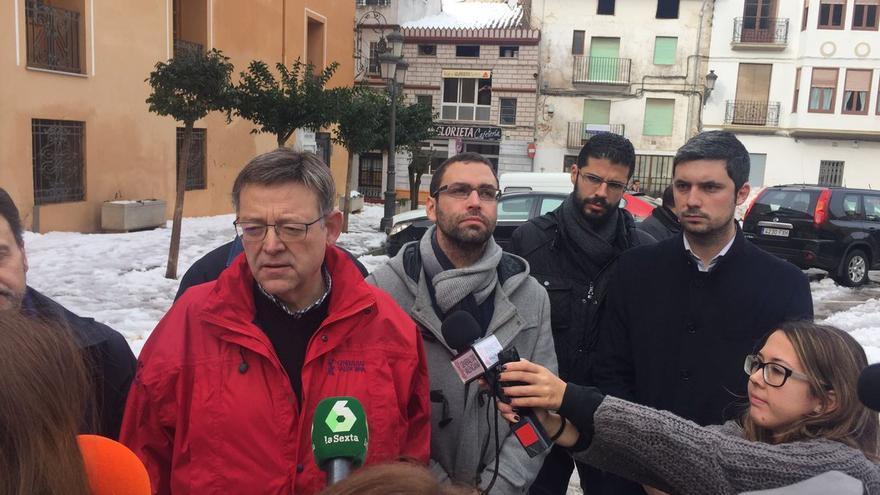 El presidente de la Generalitat, Ximo Puig, en Requena, una de las localidades más afectadas por el temporal.
