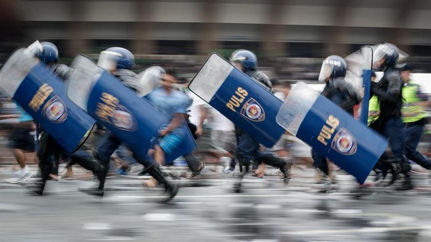 Policía y Ejército filipinos piden a Duterte extender ley marcial en Mindanao