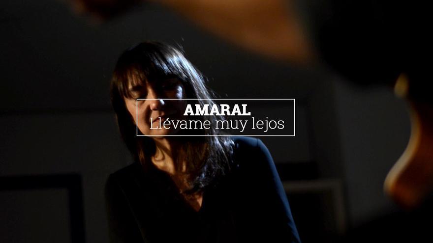 Amaral interpreta 'Llévame muy lejos' en la redacción de eldiario.es