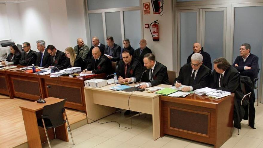 """Los acusados de matar al alcalde de Polop ven un """"fabulador"""" al testigo protegido"""