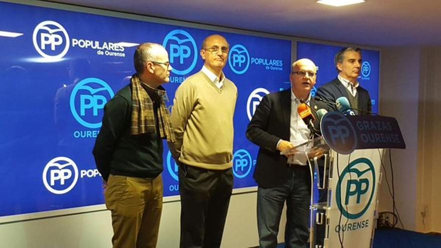 Baltar, valorando los resultados con sus diputados electos y el alcalde de Ourense