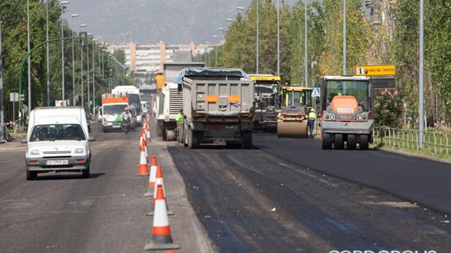 Obras de asfaltado de la avenida Carlos III | MADERO CUBERO