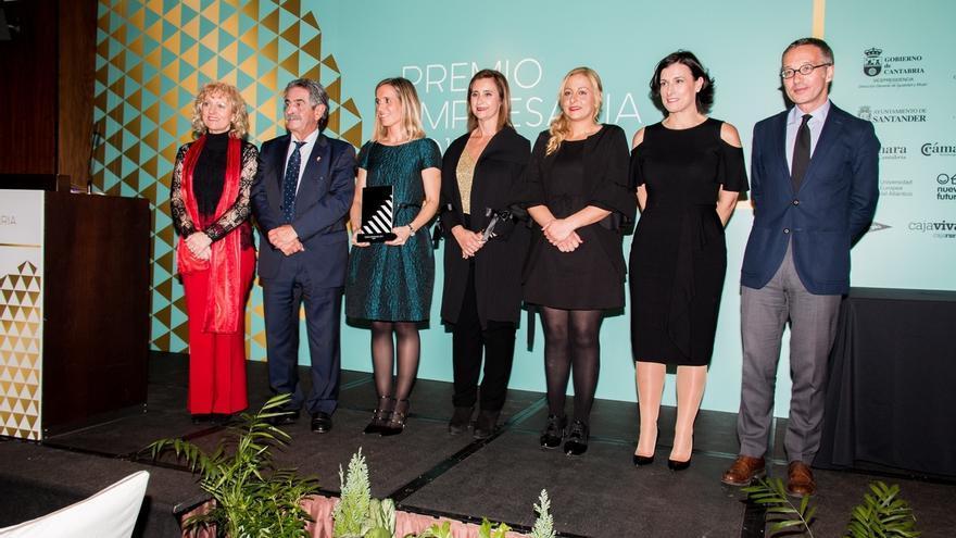 Natalia Alciturri, directora de Semicrol, recibe el Premio Empresaria 2017 de la ADMEC