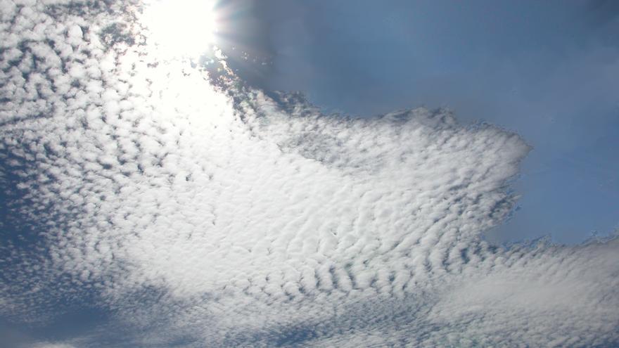 Nubes altas en La Palma.