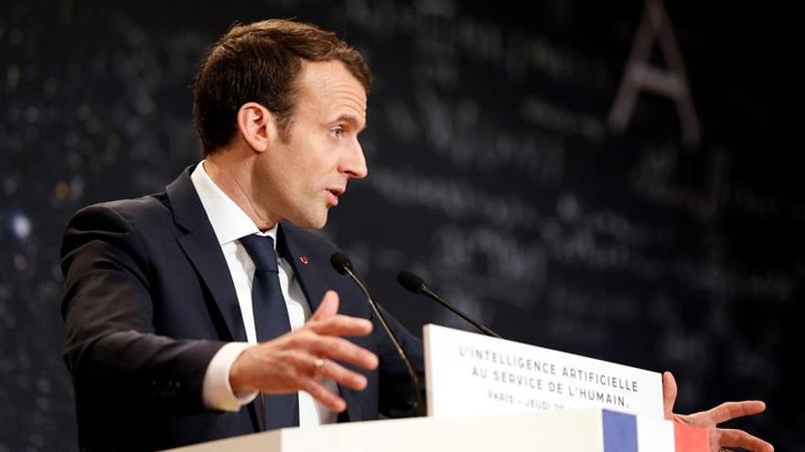"""Macron pide a Putin que Rusia ejerza """"toda su influencia"""" sobre Al Asad"""