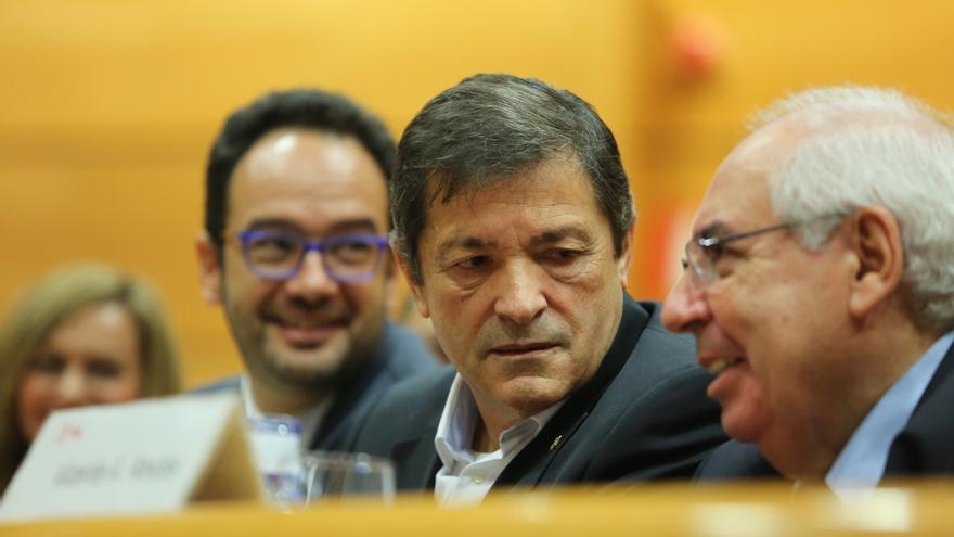 """Javier Fernández cree que el PSOE no apoyará los PGE y llama al PP a buscar estabilidad """"en otros lugares"""""""