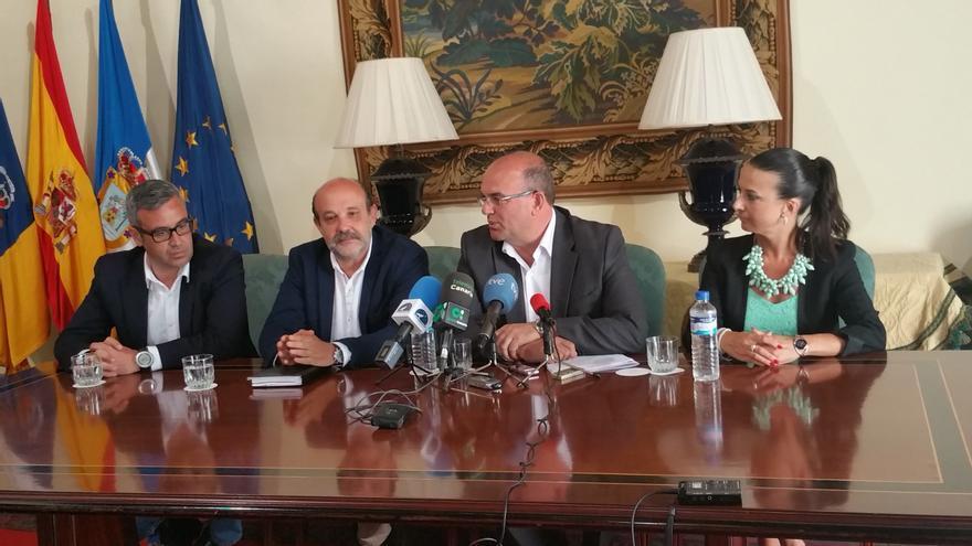 Sergio Matos (i), Jorge Perdigón, Anselmo Pestana y Laura García. Foto: LUZ RODRÍGUEZ.