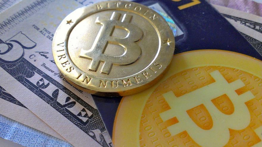Invertir en Bitcoin, una rentable decisión si se tomó en los comienzos de la criptodivisa