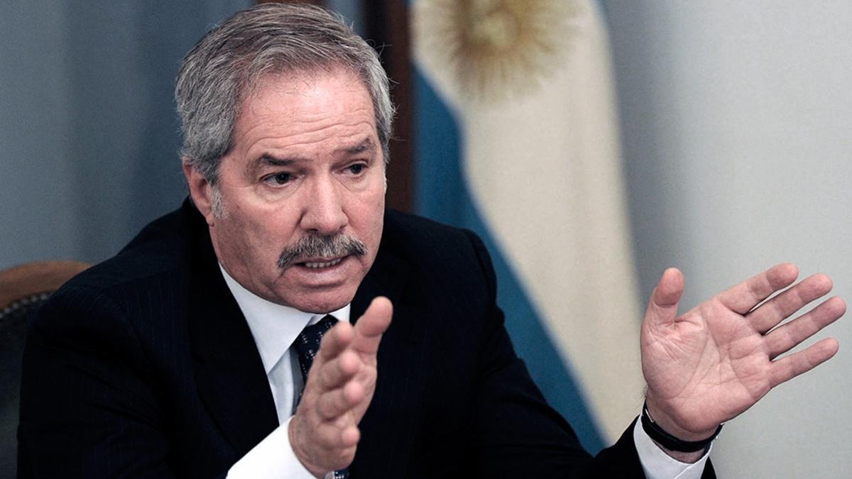 Felipe Solá cuestionó la postura del PRO sobre el conflicto limítrofe con Chile..