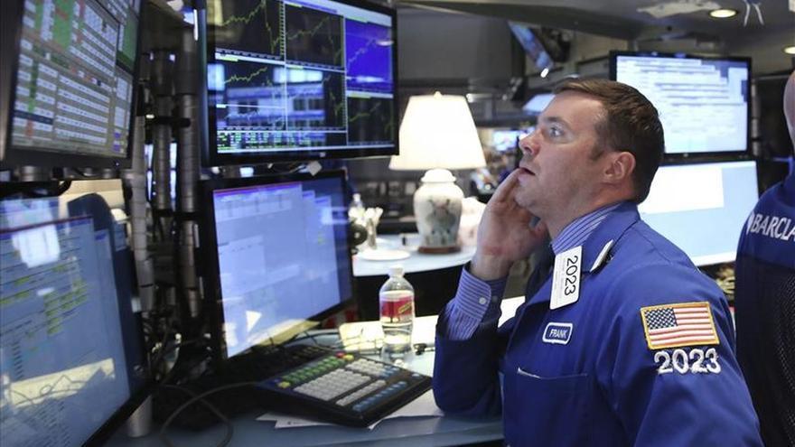 Wall Street abre con ganancias y el Dow Jones sube un 0,98 por ciento